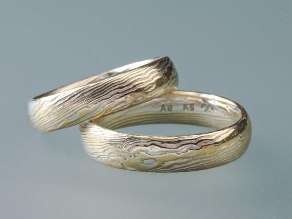 <span>Gold & Silber</span><i>→</i>